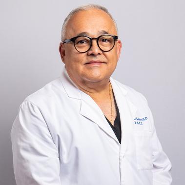 Dr. Guillermo Bolaños